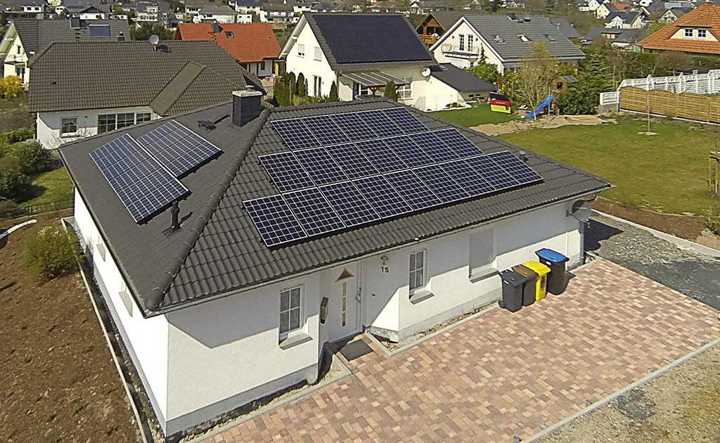 photovoltaik solarstrom solaranlagen sonnenenergie solarenergie energie speicher. Black Bedroom Furniture Sets. Home Design Ideas